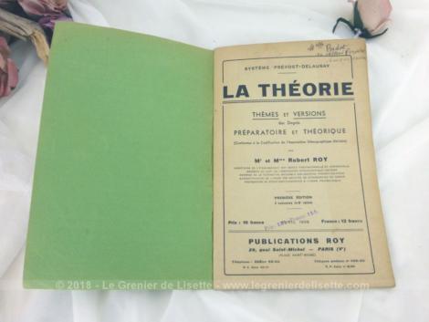 """Anciens livres de cours de sténo La Théorie de 1939. Duo de livres, dont un est le corrigé des exercices du premier. Le titre de ces ouvrages est """"La Théorie"""" par Mr et Mme Robert Roy ."""
