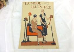 Revue La Mode Illustrée du 31 aout 1924 sur 12 pages avec des modèles pour des modèles pour la demi-saison. Tout le charme de la mode des années folles.