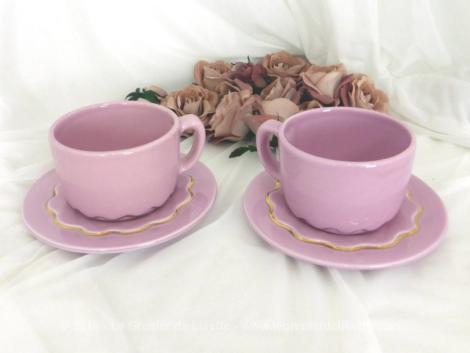 Tête à tête à vagues rose shabby avec ses 2 tasses et sous-tasses assorties.