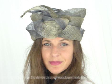 """Adorable chapeau fibre naturelle avec noeud, pour un tout de tête de 57/58 cm, vraiment dans la tendance de la mode très """"British""""."""
