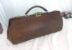 Ancienne sacoche médecin ou infirmier cuir fauve
