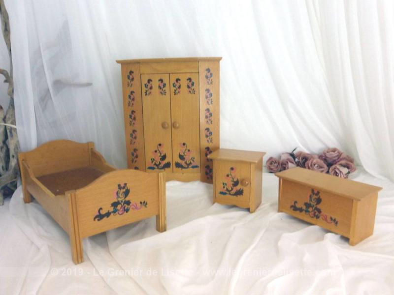 VENDU - Ancienne chambre en bois pour poupée - Le Grenier de ...