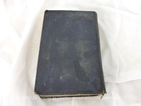 Ancien Guides-Joanne des Environs de Paris publié chez Hachette et Cie en 1907 avec un plan détachable à l'intérieur.