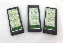 """Lot de 3 anciens paquets d'aiguilles avec l'étiquette """"Drilled Ey'd - Sharps n°5 - Straw - Warranted Victoria Celebrated - Importé d'Allemagne""""."""