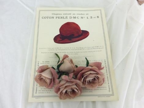 Ancienne fiche D.M.C. pour chapeau au crochet à réaliser en coton perlél pour mercerie D.M.C. n°1, 3 et 8.