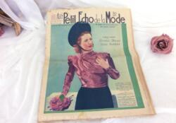 Ancienne revue Le Petit Echo de la Mode du 6 mars 1938 en grand format, véritable trésor vintage de 81 ans. Tout le mystère de l'élégance pour l'été 1938 !