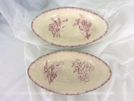 Adorable duo de raviers au décor rose en terre de fer, sortis des faïenceries de Choisy le Roy par H. Boulenger de 24.5 cm de long.