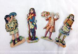 Lot 4 anciennes chromos d'enfants, 2 filles et 2 garçons dans des tenues d'époque, fin XIX°.
