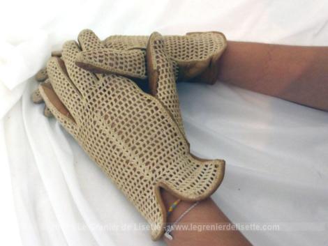 Anciens gants vintages cuir fauve et crochet en fils beige sur le dessus, taille standard, 6.5 /7 cm.