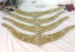 Lot 4 anciennes embrasses en tissus d'ameublement vintage et en forme de V. Pièces faites à la main et uniques.