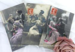 Trois anciennes cartes postales représentant un couple rempli de tendresse datées de l'année 1912.
