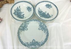 Trio anciennes assiettes dessins bleus en faïence St Amand, deux assiettes creuses modèle Margot et une assiette plate modèle Colombier.