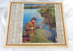 Voici un ancien almanach des P.T.T. de 1972 avec la photo d'un pécheur et de l'autre coté des chasseurs avec 8 feuillets supplémentaires sur le département des Vosges.