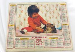 Ancien almanach des P.T.T. de 1976 avec la photo d'un chiot et chaton d'un coté et d'une petite fille avec un chat de l'autre avec 4 pages supplémentaires