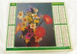 Ancien almanach des P.T.T. de 1978 avec la photo d'un bouquet de fleurs d'un coté et une rose de l'autre. Il y a 6 pages supplémentaires