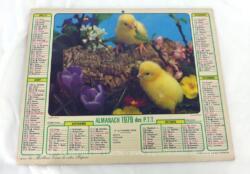 Ancien almanach des P.T.T. de 1979 avec la photo de poussins d'un coté et de chatons dans un panier de l'autre et 12 pages supplémentaires