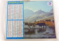 Ancien almanach des P.T.T. de 1979 avec la photo d'alpage d'un coté et de troupeau de l'autre avec 12 feuillets supplémentaires sur les services de la Poste
