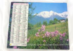 Ancien almanach des P.T.T. de 1987 avec d'un coté un village sous la neige et un alpage au printemps de l'autre avec 12 feuillets supplémentaires