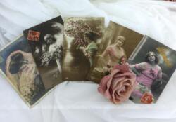 Cinq cartes postales anciennes de photos colorisées de portrait de femme datant du tout début du XX°.