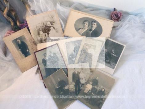 Voici 10 photos anciennes de scènes de vie de familles posant pour la postérité datant du début du siècle dernier. Ces photos seront à vous et donc libres de droit. C'est pour cela qu'elles vous apparaissent floutées afin de ne pas être copiées !!