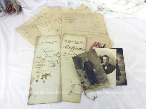 Voici un assortiment unique de documents datant du XIX° avec 2 actes notariés, des photos, des courriers et un pince nez, pour une décoration vraiment très rétro.