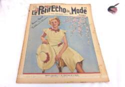 """Ancienne revue Le Petit Echo de la Mode du 27 juin 1937, trésor vintage de 83 ans, numéro spécial """"Toilettes pour les Vacances"""", avec des dessins de robes et des patrons de cols, jaquette, robe et petite veste tricotées pour fillettes. Tout le mystère de l'élégance pour l'été 1937 !"""