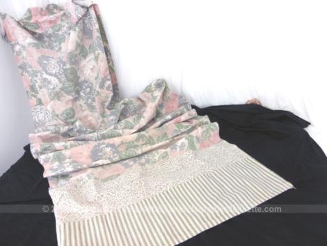 Sur 70 cm de large, voici un rideau fait main avec un assortiment de 3 tissus très tendance shabby sur 220 cm de long.