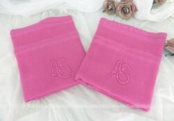Duo d'adorables anciennes serviettes en coton nid d'abeille teintées fuchsia et brodée des monogrammes AS de 54 x 80 cm. Pièces uniques.