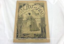 """Ancienne revue, voici """"Le Pot au Feu"""" datée du 15 juin 1898, avec 24 pages recettes de cuisines pour une réaliser de véritables plats comme au XIX°."""