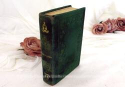 Ancien missel Paroissien Complet en velours vert du Petit Paroissien des Dames datant de 1838 avec la table des Fêtes Mobiles de 1838 à 1859.