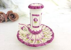 Voici un bougeoir forme rat de cave en céramique aux couleurs très tendance shabby avec ses petites fleurs.