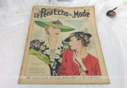 Ancienne revue Le Petit Echo de la Mode du 13 juin 1937 en grand format, véritable trésor vintage de 83 ans avec des dessins de modèles de robes, de tailleurs, de broderies et des patrons de chapeaux au crochet... et tout le mystère de l'élégance pour l'été 1937 !