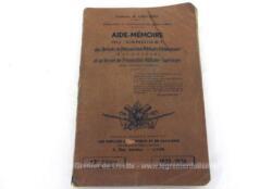 Voici un livret Aide Mémoire du Candidat de Préparation Militaire Elémentaire et au Brevet de Préparation Militaire Supérieur pour la période 1935-1936.
