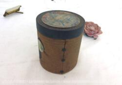 """Pour phonographe, voici une ancienne boite vide à cylindre Pathé n°567 portant l'étiquette """"Les Cloches de Corneville"""" par Planquette, """"Je regardais en l'air"""" chanté par Vallade des Concerts Lamoureux."""