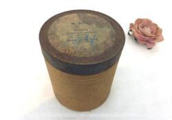 """Pour phonographe, voici une ancienne boite vide à cylindre Pathé n°949 portant l'étiquette """"Romance"""" """"L'Enfant et le Polichinelle"""" par Magnier, chanté par Mary Boyer de l'Opéra Comique."""