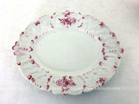 Façon soupière, voici une adorable bonbonnière aux fleurs roses avec son couvercle et son petit plat ! So shabby !!!!!