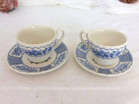 Tête à tête en porcelaine anglaise au décor bleu, 2 tasses et 2 sous-tasses de la marque Myott, Fine Ironstone, England, 1982, modèle Melody.