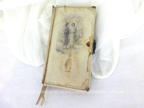 Ancien missel Paroissien espagnol de 1927 couverture plastique ou bakélite avec tranches dorées et contient tous les offices habituels mais en espagnol.