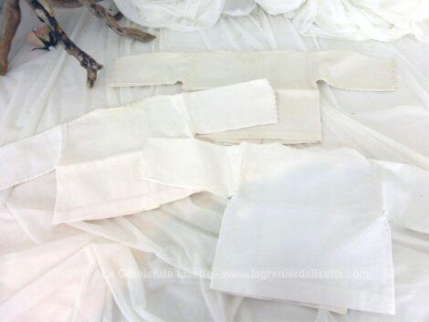 Trio d'anciens maillots de corps pour bébé avec broderies réalisé dans un beau linon léger, tous différents et tous fait main.