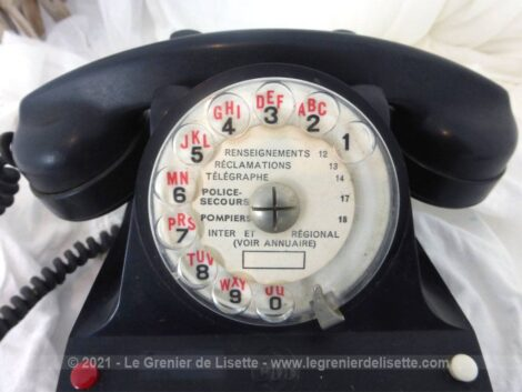 Ancien standard téléphonique en bakélite de la marque CIT datant des années 50/60. Déco vintage assurée.