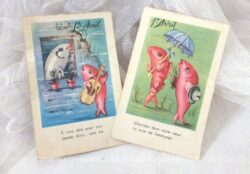 """Voici deux cartes postales """"Poisson d'Avril"""" avec des dessins humoristiques de poissons et datant des années 60."""