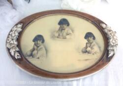 Datant du tout début des années 20/30, voici un cadre patiné shabby pour mettre en valeur une grande photo d'Art prise par un photographe mettant en scène dans trois positons la même petite fille.