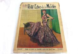 Ancienne revue Le Petit Echo de la Mode du 22 aout 1937 en grand format, véritable trésor vintage de 84 ans avec des modèles et des patrons ... Tout le mystère de l'élégance pour l'automne 1937.
