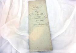 Voici un acte notarié sur une double page pour une vente réalisée en 1836 avec deux empreintes différentes de timbre royal